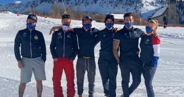 L'équipe de France de para snowboard. © FFH